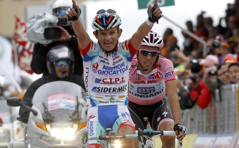 Entre vueltas y giros por el ciclismo mundial