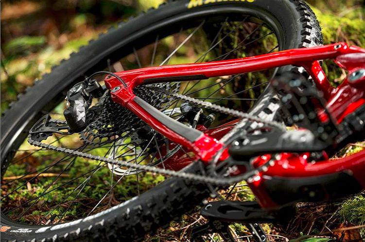 Cosas curiosas: sabes ¿Por qué las bicicletas llevan la transmisión en el lado derecho? Te lo contamos