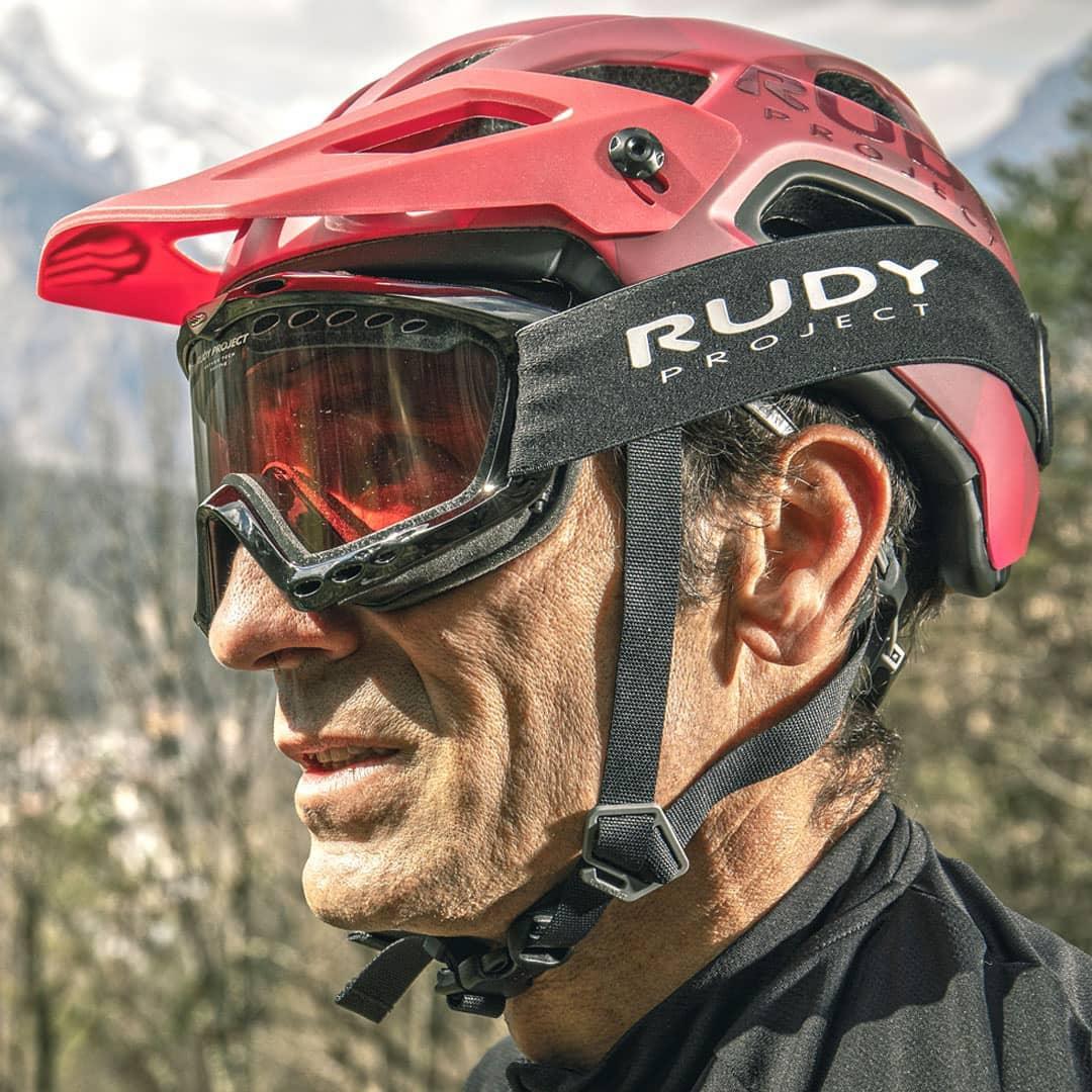 tercera edad y equipamiento ciclismo